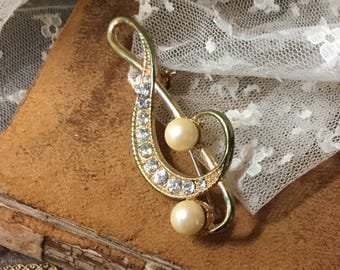 Elegant Clear Rhinestone Faux Pearl Gold Tone Treble Clef Brooch Pin Unsigned 1950's 1960's Gift for A Musician Elegant Music Themed