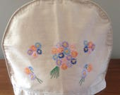 Vintage Embroidered Tea Cosie, Thick Lining, Embroidered Daisies, Flowers, Posies