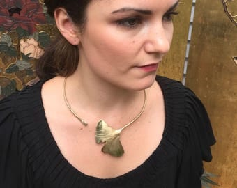 XL Textured Ginko Leaf - Collar