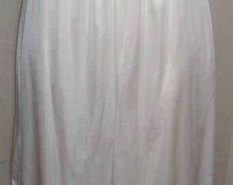 ON SALE Vintage Nylon Half Slip Medium White