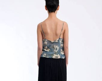 40% SUMMER SALE The Vintage Floral Spaghetti Strap 90s Tank