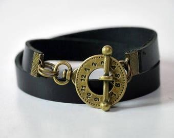 Leather Bracelet Wrap Leather Bracelet Leather Cuff Bracelet Leather Bracelet in Black Color Toggle Clasp Brass Tone