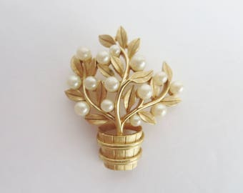 Vintage Signed  Crown Trifari Brooch - Gold Tone & Faux Pearls Tree Shaped Brooch - Tree On a Barrel Trifari Brooch Pin