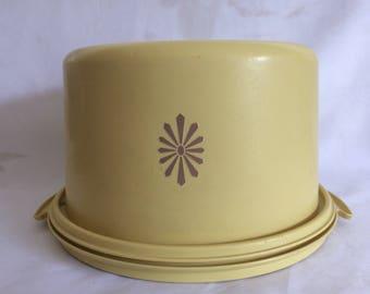 Vintage Tupperware Starburst Cake Carrier