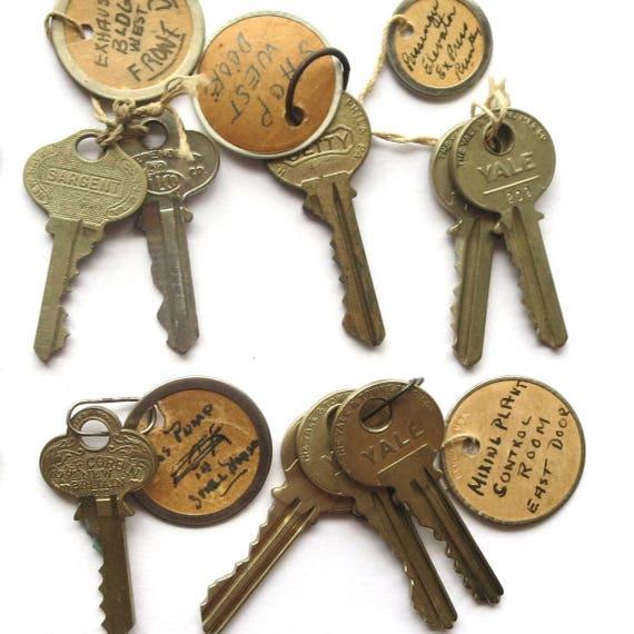 12 vintage keys old keys antique keys old house keys great for Classic house keys