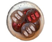 SALE - n.8 Vintage transparent carved resin round buttons, red and amber