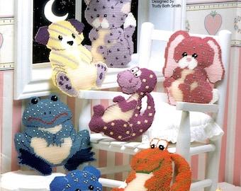 Glow Buddies Cat Dog Dinosaur Rabbit Frog Teddy Bear Alligator Stuffed Toys Needlepoint Embroidery Craft Pattern Leaflet 913707