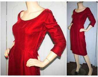 Vintage 50's Red Velvet Long Sleeve Wiggle Dress. Small