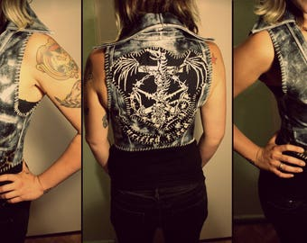 Kissin' Bombs stained leopard vest