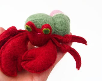 Hermit crab, waldorf toy, all natural toy, ecofriendly toy, sea creature, small stuffed animal,