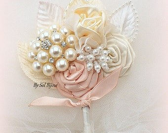 Brooch Boutonniere, Blush, Ivory, Bout, Blush Corsage,Groom,Mother of the Bride, Groomsmen, Elegant Wedding, Vintage Style, Pearls, Crystals