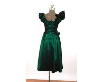 1980s party dress Lillie Rubin green sharkskin taffeta ruffled formal dress Size S/M