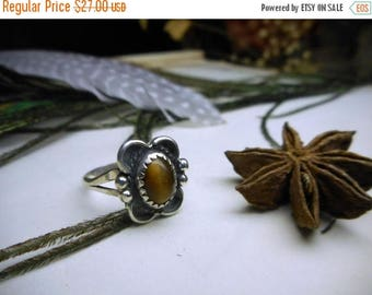 Vintage Sterling Silver and Tigers Eye Cabochon Ring. Bohemian Earthy  Rustic Artisan Crafted Floral Motiff Size  5