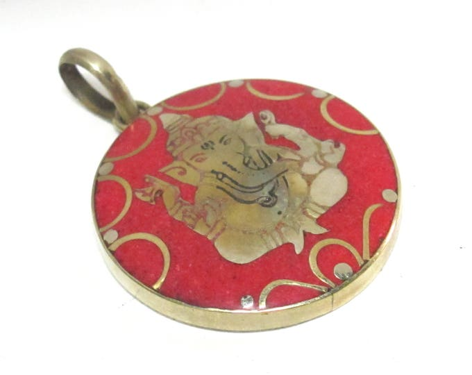 Special sale - last piece in stock - 1 pendant - Tibetan round shape red color Ganesha prayer pendant from Nepal inlay - PM608E