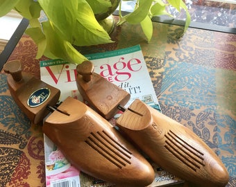 Pair of Wood Shoe Stretchers Size 8 / Vintage Shoe Stretchers Hartt Shoes