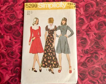 70's Vintage Dress Sewing Pattern