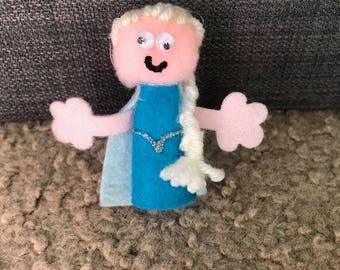 Elsa Finger Puppet