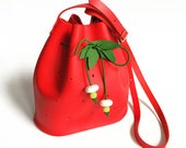 La Lisette strawberry mini leather bucket bag kids bag fruit bag red leather bucketbag