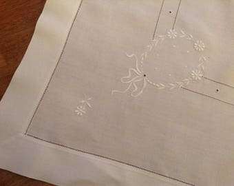 Antique Tablecloth, White Linen, Vintage Tablecloth, Hand Embroidered, Wedding, Garlands, Bows, Flowers
