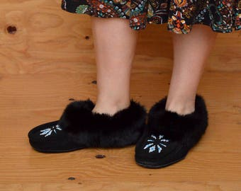 Black Suede Moccasins With Fur Lining And Detail Kids Size 8/9