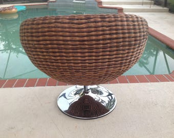 RATTAN SWIVEL CHAIR with Chrome Tulip Base / Cool Rattan Lounge Chair / Triple brown Weave Rattan / Coastal Cottage Style Retro Daisy Girl