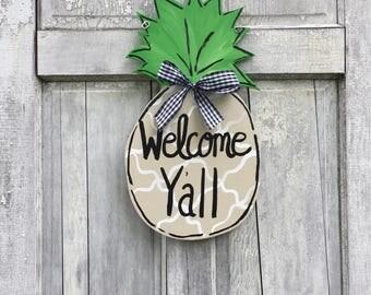 Pineapple door hanger,  hand painted pineapple door hanger, Welcome pineapple sign, Personalized pineapple door hanger
