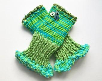 Clover Frilly Fingers - Green Fingerless Gloves - Fingerless Handwarmer Mittens - Green and Blue fingerless mittens - green fingerless mitts