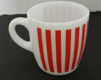 Anchor Hocking Red Striped Stripes Coffee Mug Cup Milk Glass 8-10 on Bottom