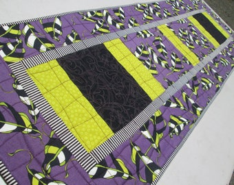 Quilted Summer Bright Leaf Table Runner