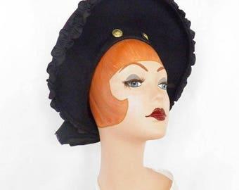 Vintage 1940s hat, navy blue tilt clamshell, military buttons, WW2 era