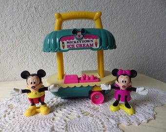 MickeyTown Ice Cream Wagon with Mickey and Minnie Figures