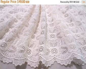 ON SALE Ivory Floral Design Guipure Lace Fabric--One Yard