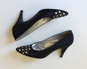 St. John Embellished Satin High Heel Pumps // 1980s Vintage Navy Blue Evening Shoes // Womens Size 7.5 Narrow