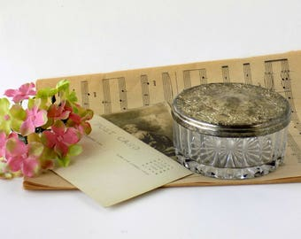 Silver Plate Glass Powder Box. Bedroom Vanity Cosmetic Jar. Vintage Jewelry Holder. Boudoir Storage. Bathroom Decor. Shabby Farmhouse Chic.