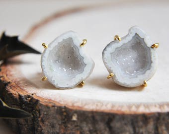 Geode Earrings, Geode Stud Earrings, Geode Slice Earrings,Natural Stone, Stone Earrings, Druzy Earrings, Druzy Stud Earrings, Druzy Geode