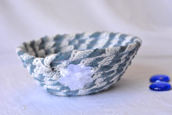 Upcycled Denim Bowl, Handmade Fabric Basket, Lace and Denim Basket, Candy Bowl, Cute Girl Room Decoration, Cute Desk Accessory