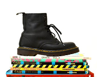 Amazing 90s Black Dr Martens Boots Size Women 6 // Vintage Doc Marten Black Boots UK Size 4 Made in England