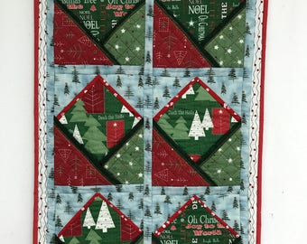 Quilted Christmas Card Holder, Wall Hanging, Christmas banner - DL