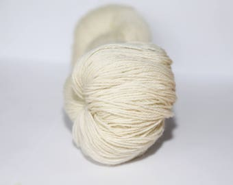 KAUNI Undyed Wool Yarn, Worsted Weight 8/3  3ply, 100% wool Natural White