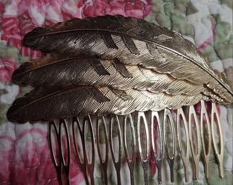 Lovely Hair Comb Leaf Design