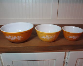 3 Pyrex Butterfly Gold Mixing Bowls, Orange & Yellow Floral Pyrex Bowls, Vintage Kitchen GL100