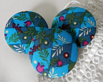 Button in blue floral fabric, 40 mm / 1.57 in