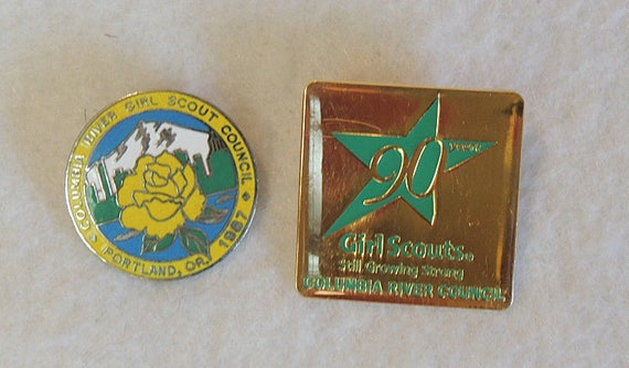 2 Vintage Girl Scouts Pins.. Columbia River Council 1987 & 90 Years (Lot #5)