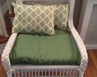 Vintage White Wicker Chair