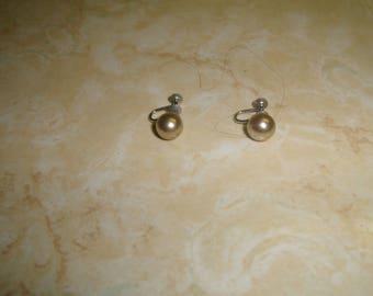 vintage screw back earrings silvertone faux pearl