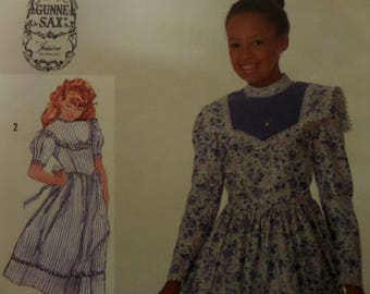 PRAIRIE DRESS Pattern • Simplicity 7401 • Girls 8 • Lace Trimmed Dress • Gunne Sax • Gathered Dress • Childrens Patterns • WhiletheCatNaps