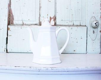 Vintage Coffee Pot // Farmhouse Collectible