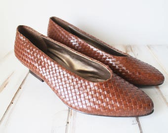 SIZE 8 Vintage Brown Woven Genuine Leather Pointy Kitten Shoes
