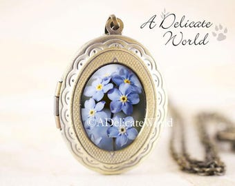 Forget-Me-Not Locket - Spring Flower Jewelry Locket, Woodland Flower Locket, Blue Flower Jewelry, Nature Locket, Botanical Jewelry
