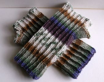 Reversible wristwarmers / armwarmers / fingerless gloves. Hand knitted. Adult or teenager. Purple green brown and white